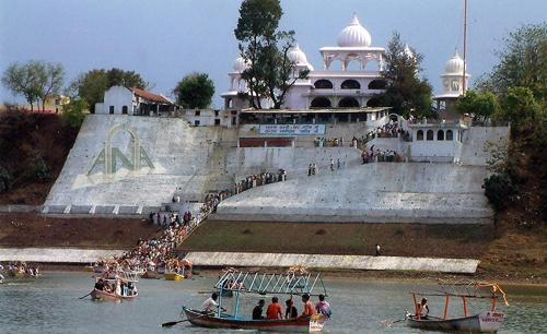 Gurudwara at bank of Narmada River